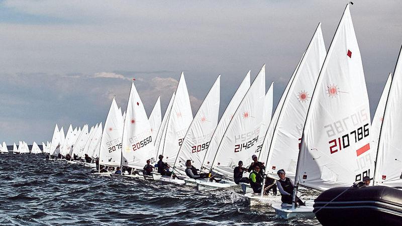 W pierwszych trzech dniach regat rywalizowali żeglarski i żeglarze klas Laser