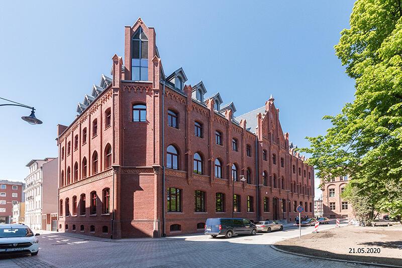 Dach dawnej Dyrekcji Poczty Królewskiej w Gdańsku