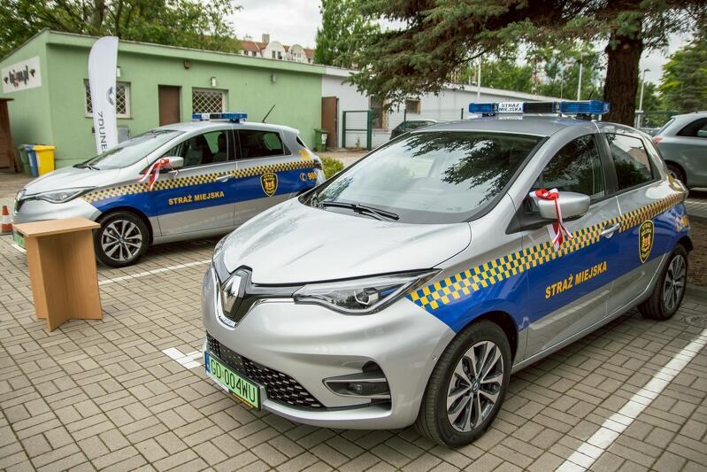 Z nowych radiowozów będą korzystać strażnicy z sekcji kontroli odpadów