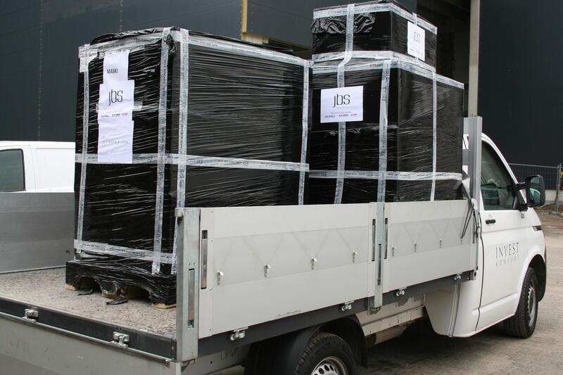 Samochód inicjatora akcji dostarczył m.in. laptopy do Gdańskich Domów Dziecka oraz tablety do Pomorskiego Hospicjum dla Dzieci w Gdańsku