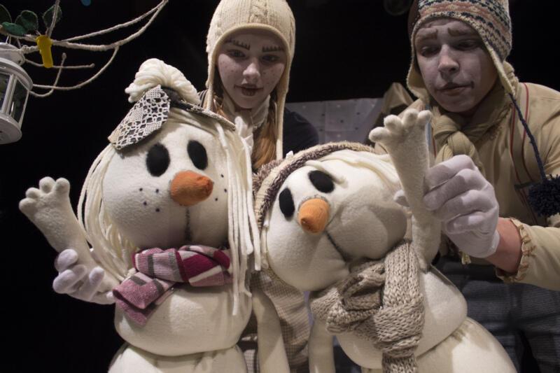 """""""Bałwanki"""" to pełna przygód opowieści dla całych rodzin przygotowana przez Teatr A3 """"Kolekcjonerzy Wzruszeń"""""""