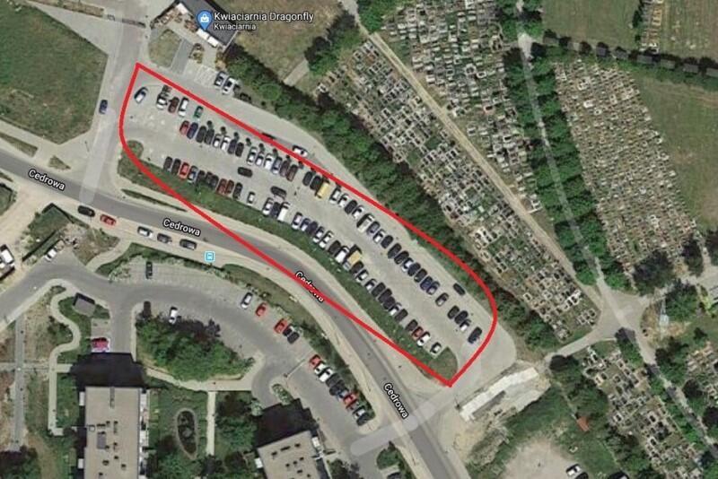 Obszar parkingu na Cedrowej został oznaczony czerwoną obwódką - to tutaj od 20 lipca zarządcą będzie Fundacja Społecznie Bezpieczni