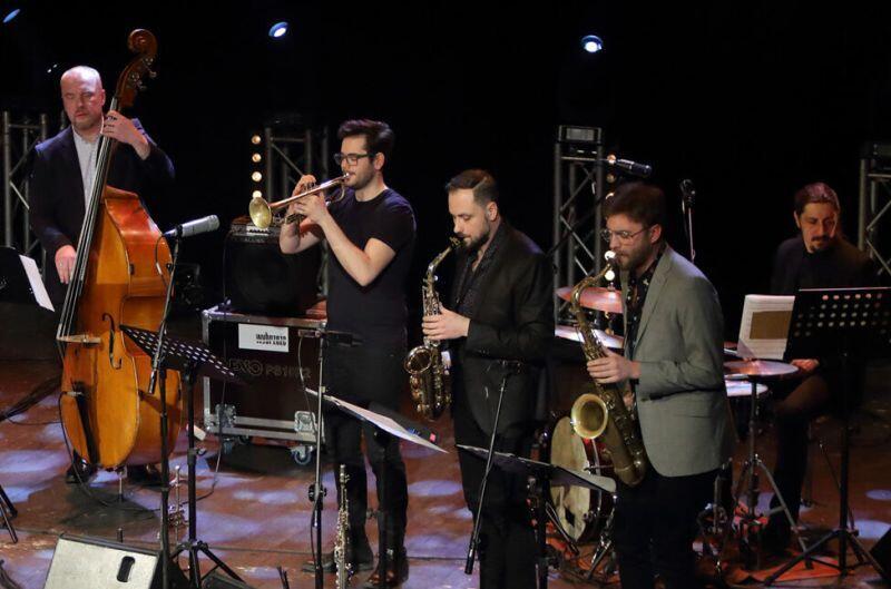 Na zdjęciu koncert Sławka Jaskułke z zespołem podczas wręczania Nagrody Miasta Gdańska w Dziedzinie Kultury Splendor Gedanensis i przyznanie tytułu Mecenasa Kultury Gdańska