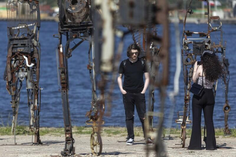 Będąc na terenie Stoczni koniecznie podejdźcie obejrzeć rzeźby Czesława Podleśnego przy Mlecznym Piotrze - nowej siedzibie WL4
