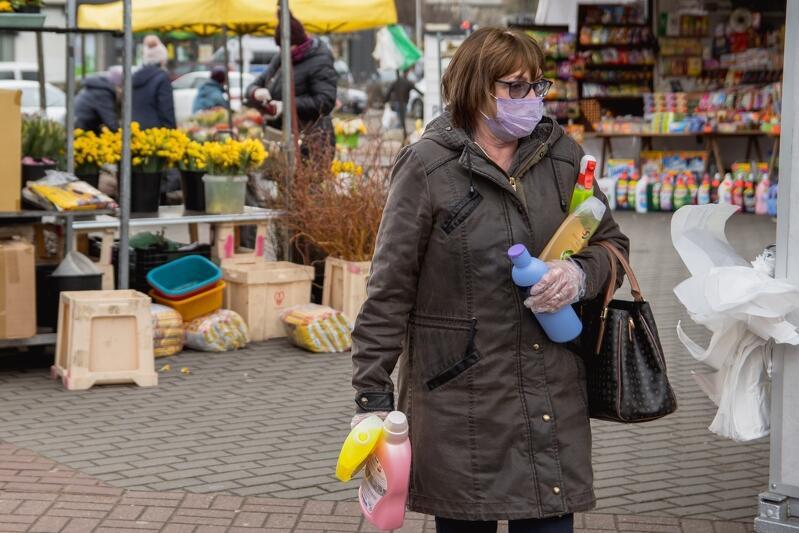 To zdjęcie wykonano 2 kwietnia br. Wówczas przestrzegaliśmy nakazów i obostrzeń sanitarnych. Dziś jest z tym dużo gorzej...