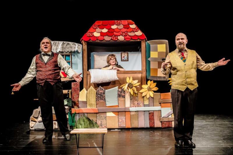 """""""Czerwony Kapturek"""" na scenie Białostockiego Teatru Lalek zachwyca widzów od 1993 roku (premiera wznowienia odbyła się 18 września 2005 roku)"""
