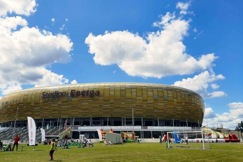 Weekendowa Strefa Aktywności przy Stadionie Energa Gdańsk to wakacyjna propozycja na spędzenie czasu na świeżym powietrzu