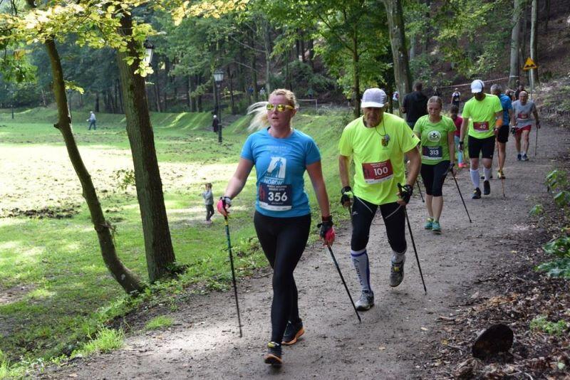 Atutem Nordic Walking Gdańsk jest trasa wytyczona po Trójmiejskim Parku Krajobrazowym