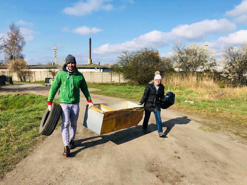 Przed rokiem mieszkańcy i radni dzielnicy zorganizowali kilka społecznych akcji, w ramach których sprzątano Olszynkę