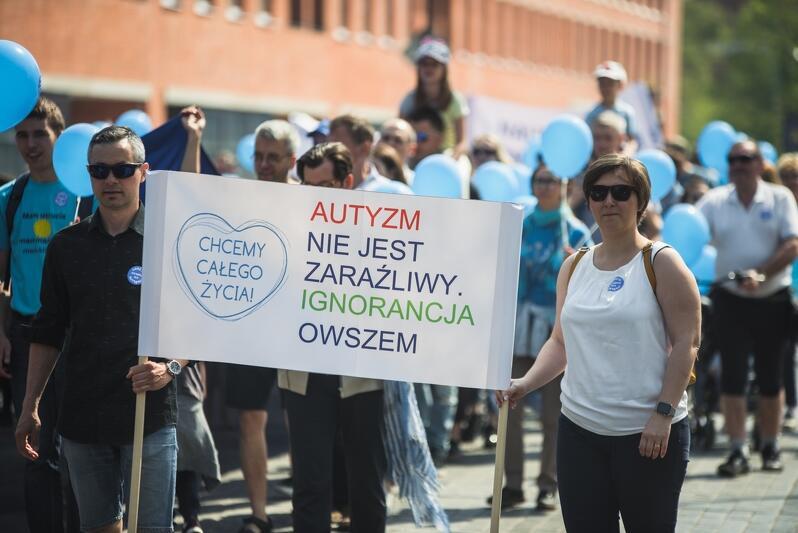 Gdańsk - solidarnie dla autyzmu, marsz ulicami miasta, 27 kwietnia 2019 r.
