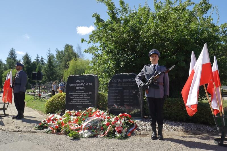 Gdańsk, Cmentarz Łostowicki. 83. rocznica ludobójstwa Polaków w ZSRR przez NKWD w latach 1937-1938