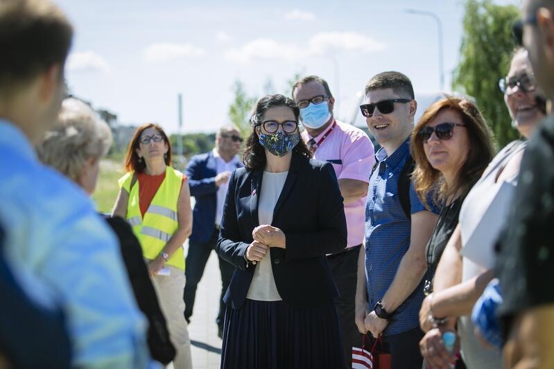 Spacer z radnymi w Gdańsku-Osowa odbył się w środę, 12 sierpnia. Nz. Prezydent Gdańska Aleksandra Dulkiewicz i przewodniczący zarządu Bartosz Stefański