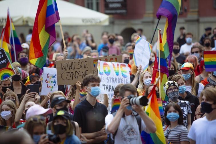 Manifestacja była kolorowa i przyjazna. Środowiska LGBT szacują, że w samym Gdańsku mieszka ok. 40 tysięcy osób nieheteronormatywnych
