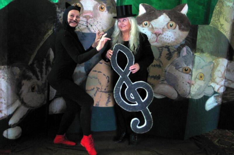 """""""Kocie zabawy z muzyką"""" to ciekawe przedsięwzięcie, w którym nie brakuje muzyki granej na żywi, śpiewu, śmiechu i dobrej zabawy"""