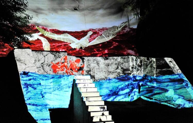 W tym roku na Westerplatte, pod okiem dr. Roberta Turło z ASP będziemy mogli sami tworzyć animacje, które zostaną zaprezentowane na żywo na murach Wartowni nr 1. Na zdj. Światłocienie 2019