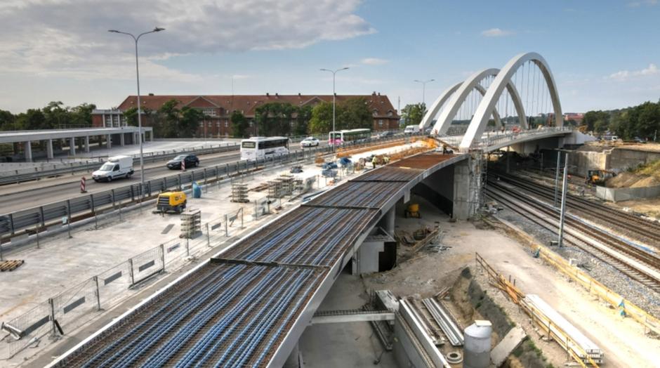 Dwie trzecie zaplanowanych robót przy budowie wiaduktu zostało już wykonanych