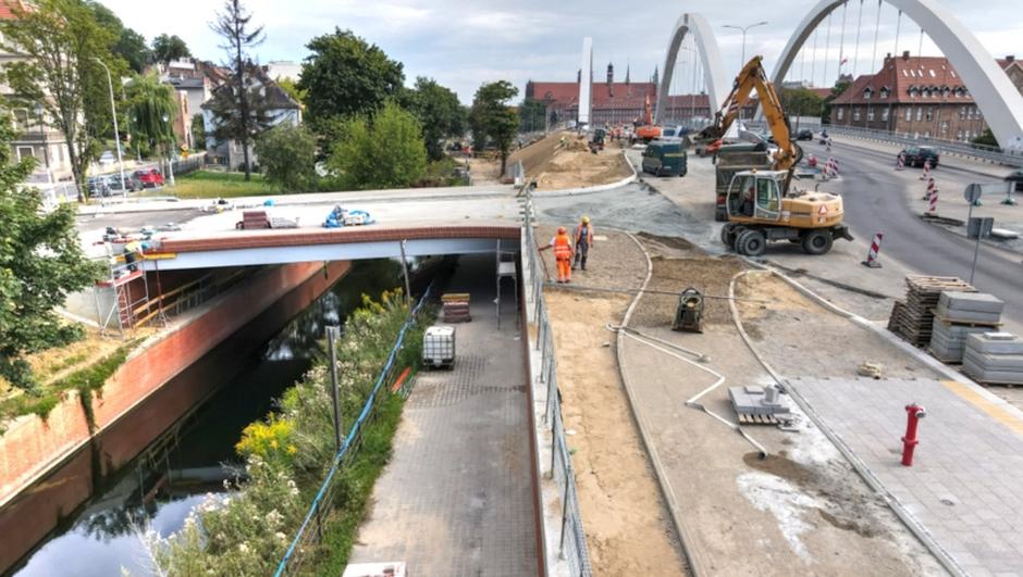W ramach inwestycji zbudowano także most nad kanałem Raduni