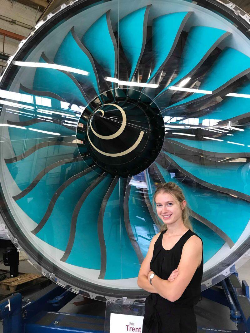 Praca w Rolls-Royce dała mi niesamowitą okazję na pogłębienie wiedzy zdobytej na studiach poprzez praktyczne zadania