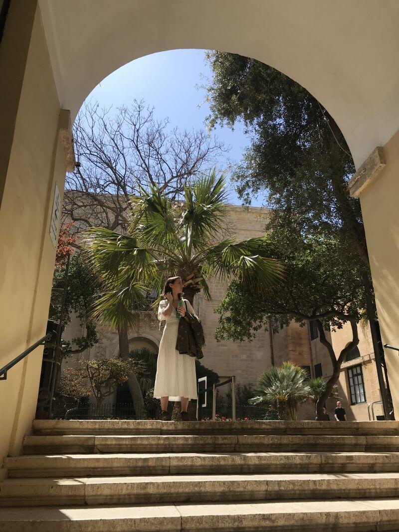 Odkrywanie Malty z przyjaciółką, współlokatorką i praktykantką Rolls-Royce'a