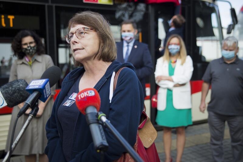 Magdalena Mierzewska, córka Olgi Krzyżanowskiej, podziękowała miastu Gdańsk za uhonorowanie jej matki i Aliny Pienkowskiej