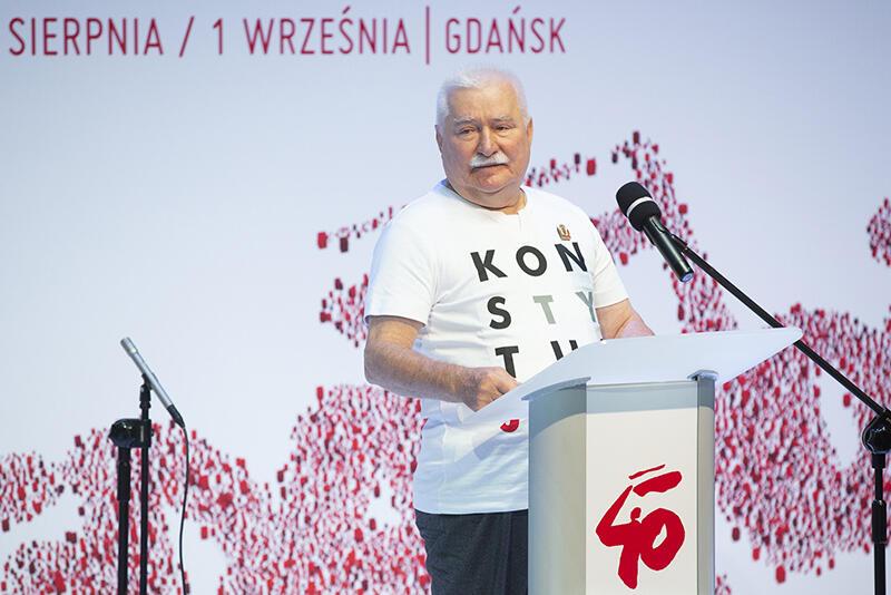 Lech Wałęsa, podczas wprowadzenia do rozmów o Solidarności na nowe czasy, przedstawił główne - jego zdaniem wyzwania stojące przed Polską i światem ery globalizacji i technologizacji