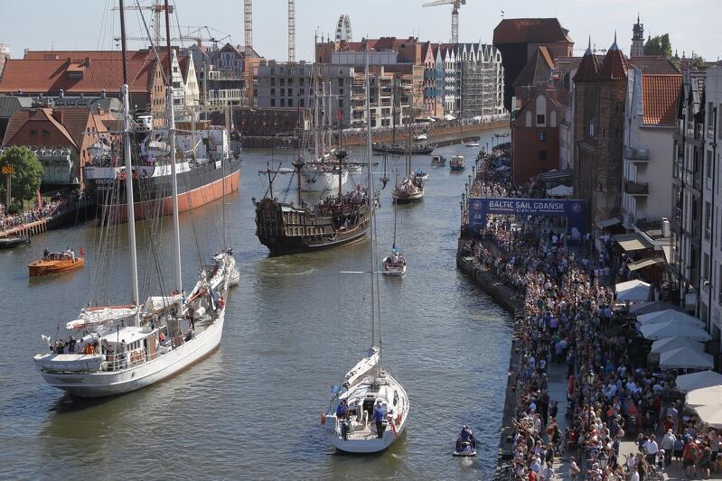 Parada żaglowców na Motławie to najbardziej widowiskowa atrakcja Baltic Sail