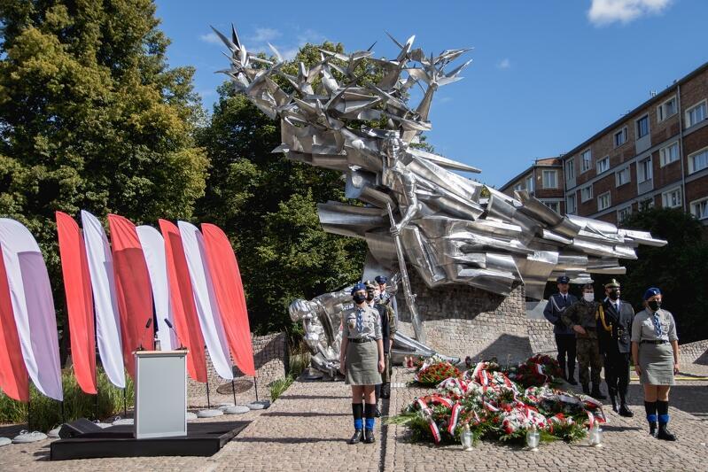 Uroczystości na placu Obrońców Poczty Polskiej co roku przypominać mają o heroicznej walce 57 pocztowców
