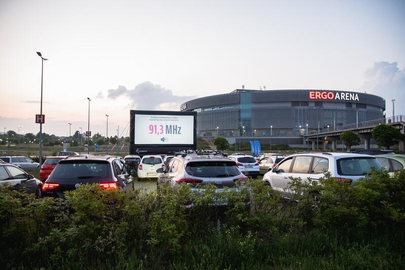 Ergo Arena zaproponowała mieszkańcom w ostatnich tygodniach m.in. plenerowe kino samochodowe
