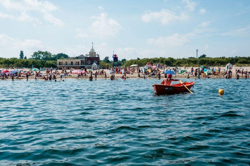 Wciąż duże problemy na kąpieliskach morskich stwarzają osoby nietrzeźwe, które wchodzą do wody