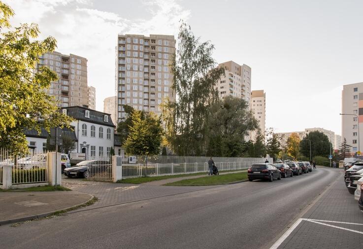Ul. Piecewska była przed laty główną drogą dzielnicy Piecki