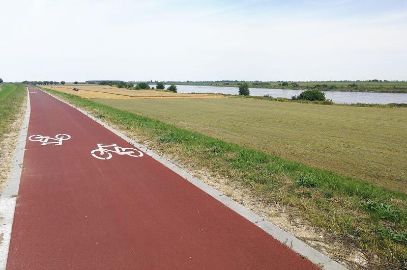 Fragment gotowej Wiślanej Trasy Rowerowej na północ od Tczewa