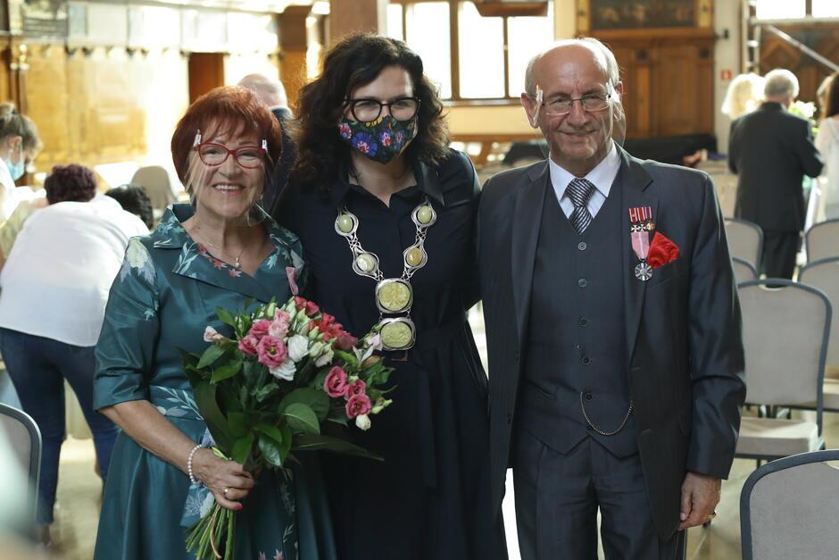 Państwo Krystyna i Jerzy Girtlerowie - jedna z par, która w środę, 16 września, obchodziła złote gody w Dworze Artusa. Jaka jest ich recepta na długi i wartościowy związek?