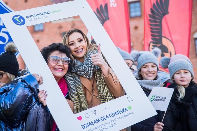Godzina dla Gdańska to swoiste przedłużenie Gdańskiego Tygodnia Wolontariatu, który odbywa się w grudniu, nz. parada wolontariuszy w ramach Tygodnia
