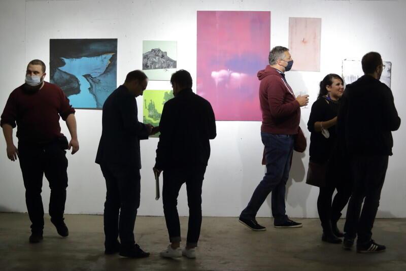 """Wystawa potrwa na pewno do 26 września, a prawdopodobnie i dłużej - organizatorzy będą informować między innymi na Facebooku, w wydarzeniu zatytułowanym tak jak wystawa - """"Retrospektywa. Piotr Szwabe vel Pisz"""""""