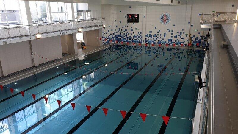 W Gdańsku funkcjonuje 12 basenów