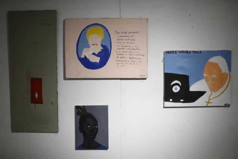 Z okazji 25-lecia pracy artystycznej, w galerii WL4 - Mleczny Piotr prezentowane są prace gdańskiego twórcy powstałe na przestrzeni 20 lat
