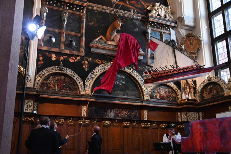 Jubileusz uczcił uroczysty salut z feluki, koncert na najstarszym gdańskim fortepianie i odsłonięcie repliki jelenia w Dworze Artusa