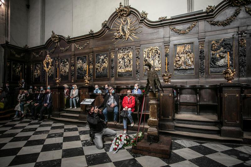 Bazylika św. Mikołaja w Gdańsku. Pulpitu na kancjonały z 1764 roku prezentowany w prezbiterium kościoła
