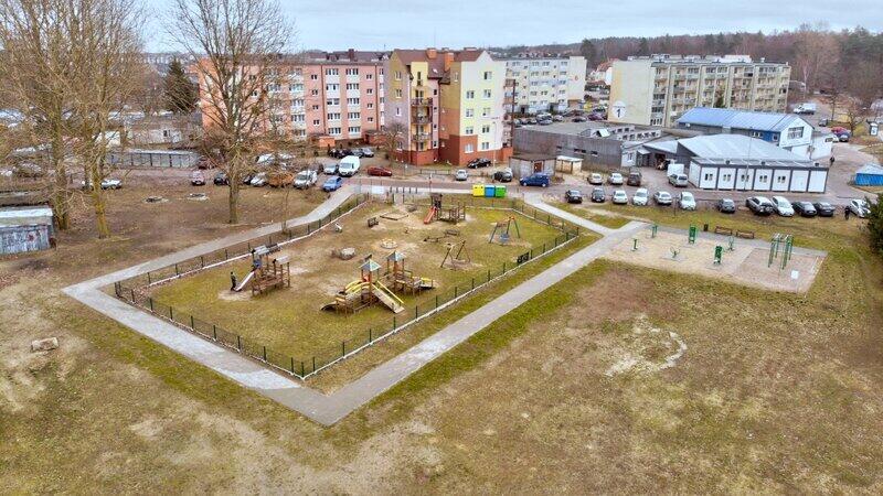 Park przy ul. Osiedlowej, na której powstanie plac zabaw