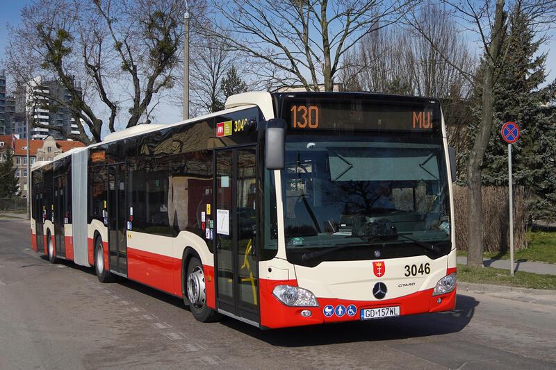 Ulica Wałowa, autobus linii 130