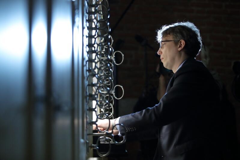 Na zdj. Andrzej Szadejko podczas inauguracji organów bocznych w Centrum św. Jana w Gdańsku w marcu 2020 r.