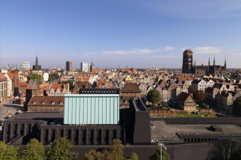Zarówno bryła Gdańskiego Teatru Szekspirowskiego, jak i jego wnętrze, były wielokrotnie nagradzane na konkursach na świecie. Placówka ma na koncie m.in. prestiżową nagrodą w dziedzinie architektury - Architizer A+ Award, w kategorii Gmach/Teatr (Hall/Theatre)