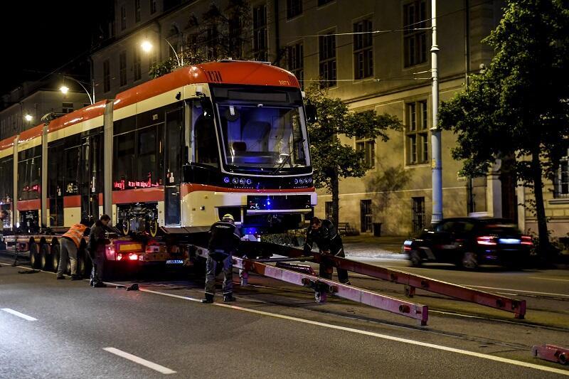Każdy z nowych tramwajów `ląduje` w Gdańsku w tym samym miejscu - na torach przy Nowych Ogrodach