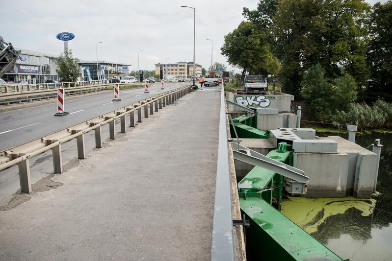 Most nad Opływem Motławy. Prace na moście oraz wiadukcie w ciągu ul. Elbląskiej