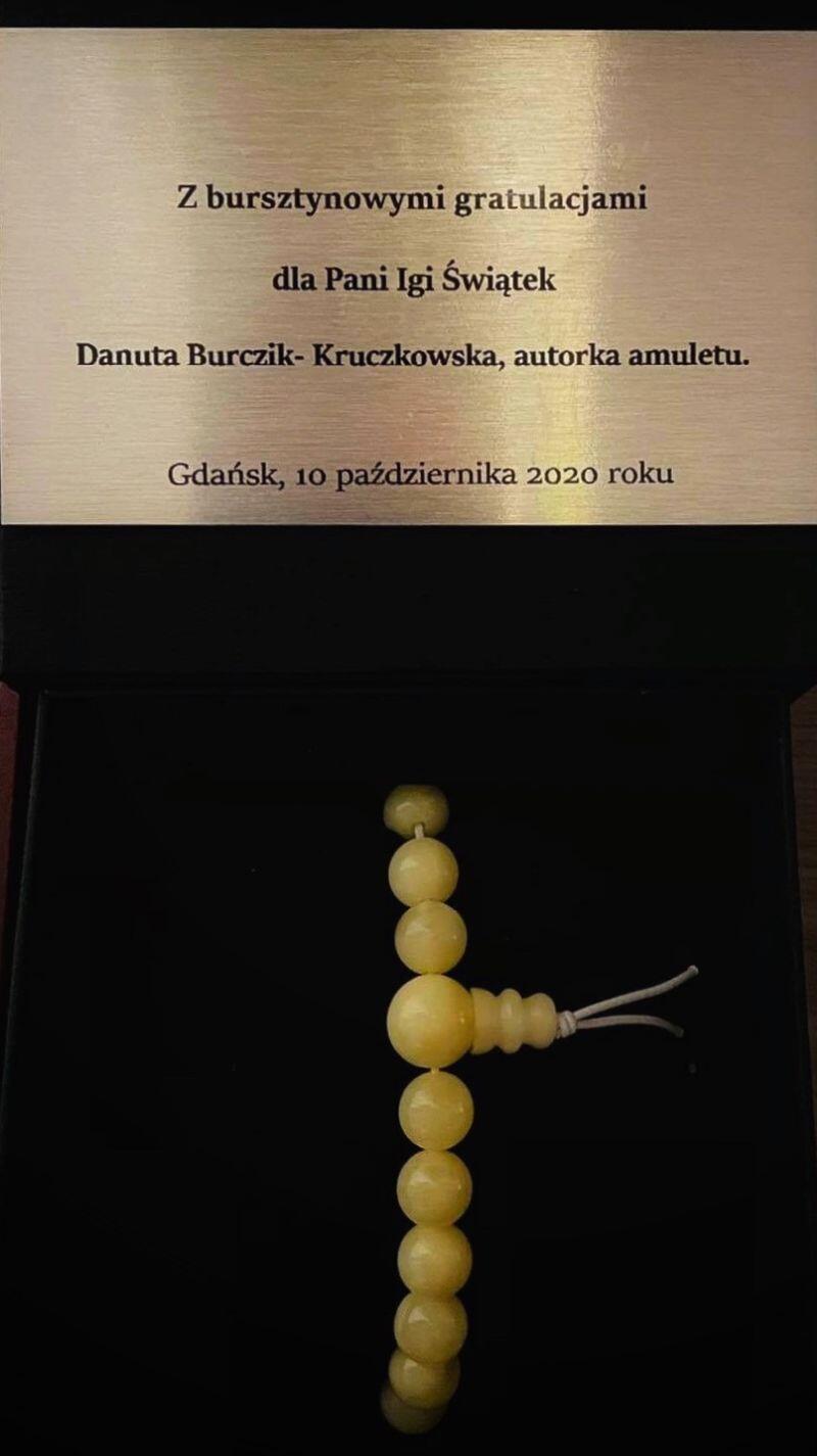 Do gratulacji przyłącza się też autorka amuletu