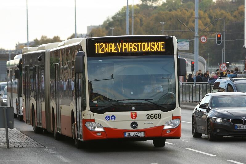 Na drogach pojawi się więcej autobusów przegubowych, m.in. obsługujących linie 112
