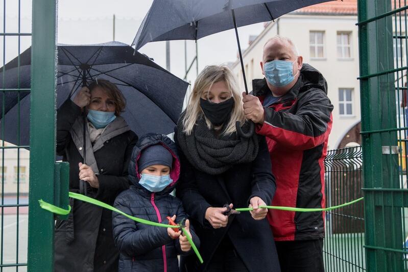 Uroczyste otwarcie Zielonej Klasy przy Szkole Podstawowej nr 24 w Gdańsku odbyło się w Dzień Nauczyciela - w środę, 14 października. Wstęgę przecięła gdańska radna Emilia Lodzińska
