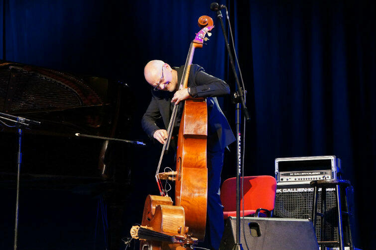 Szwedzki kontrabasista Lars Danielsson był gwiazdą festiwalu w 2016 roku