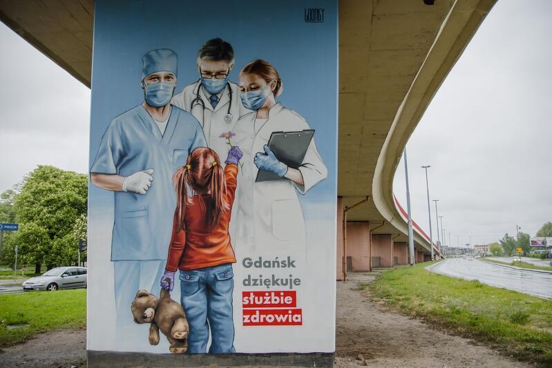 Tak wygląda mural, który powstał w ramach podziękowania dla medyków za ich ciężką pracę w czasie epidemii