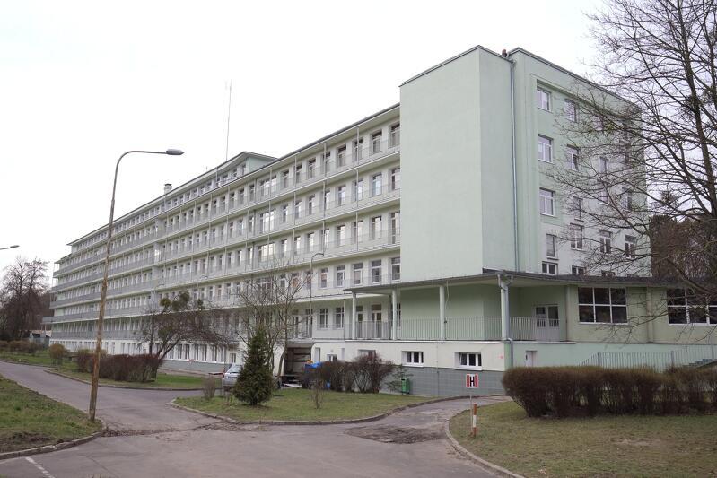Nz. Pomorskie Centrum Chorób Zakaźnych i Gruźlicy w Gdańsku. Miejsc dla pacjentów covidowych tu nie brakuje, ale lekarzy i pielęgniarek - tak